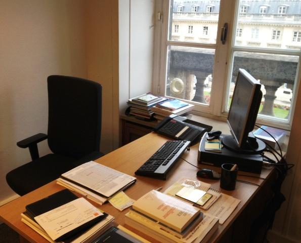 Bureau an