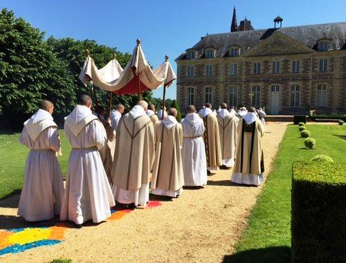 La fête Dieu à l'abbaye de Solesmes